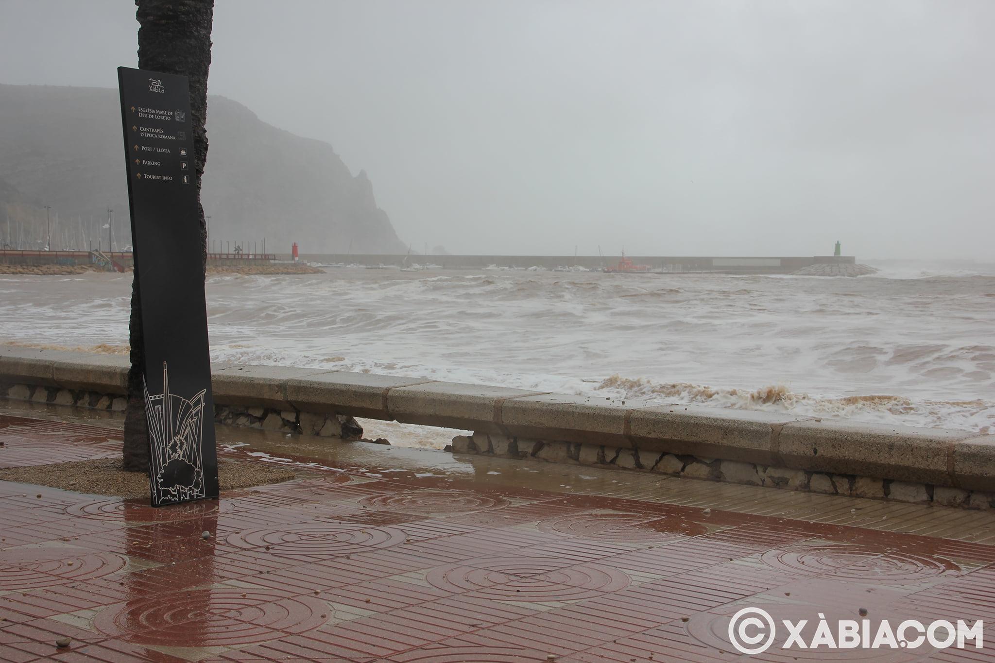 Pluie, vent et tempête de mer déchiquetés à Xàbia (52)