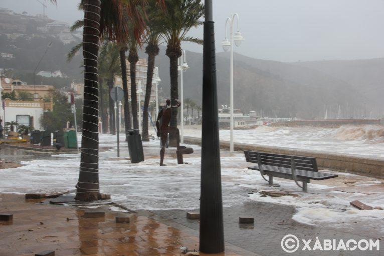 Pluie, vent et tempête de mer déchiquetés à Xàbia (53)