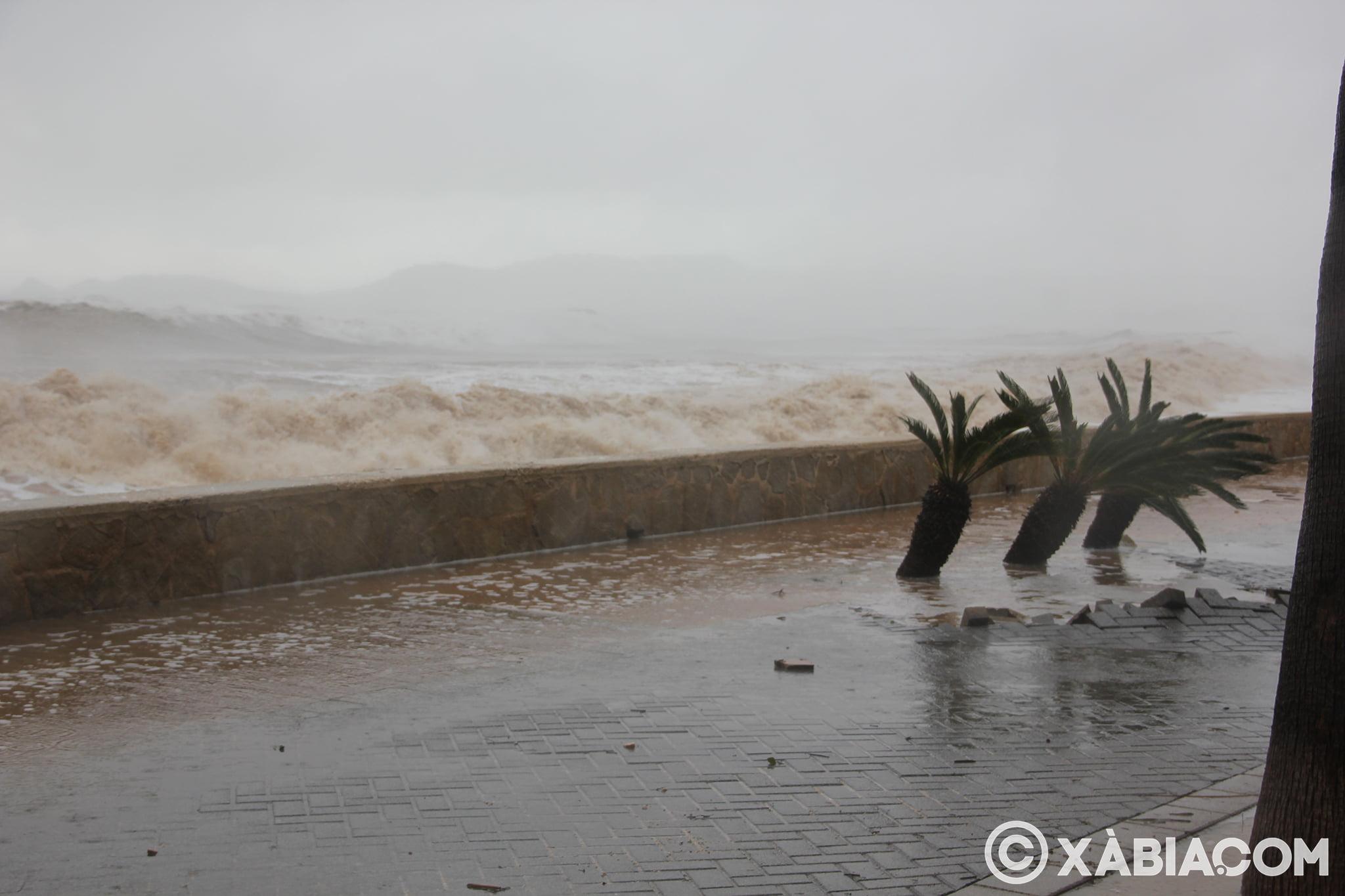 Pluie, vent et tempête de mer déchiquetés à Xàbia (54)