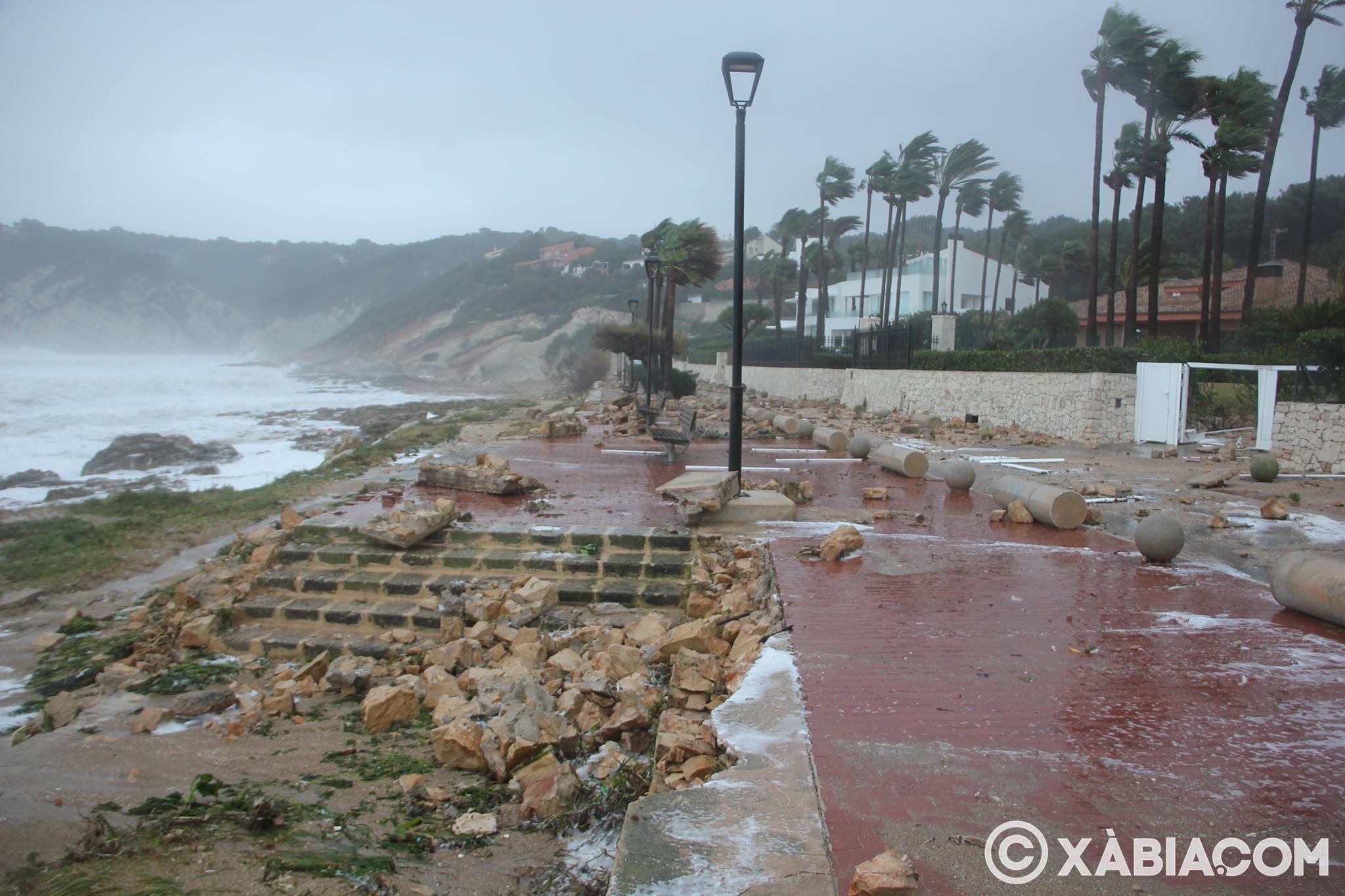 Pluie, vent et tempête de mer déchiquetés à Xàbia (8)