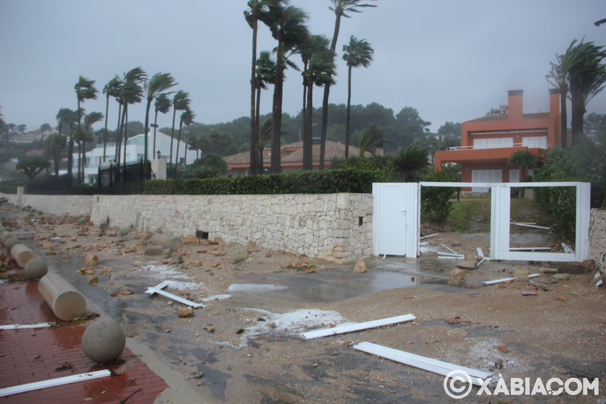 Pluie, vent et tempête de mer déchiquetés à Xàbia (9)