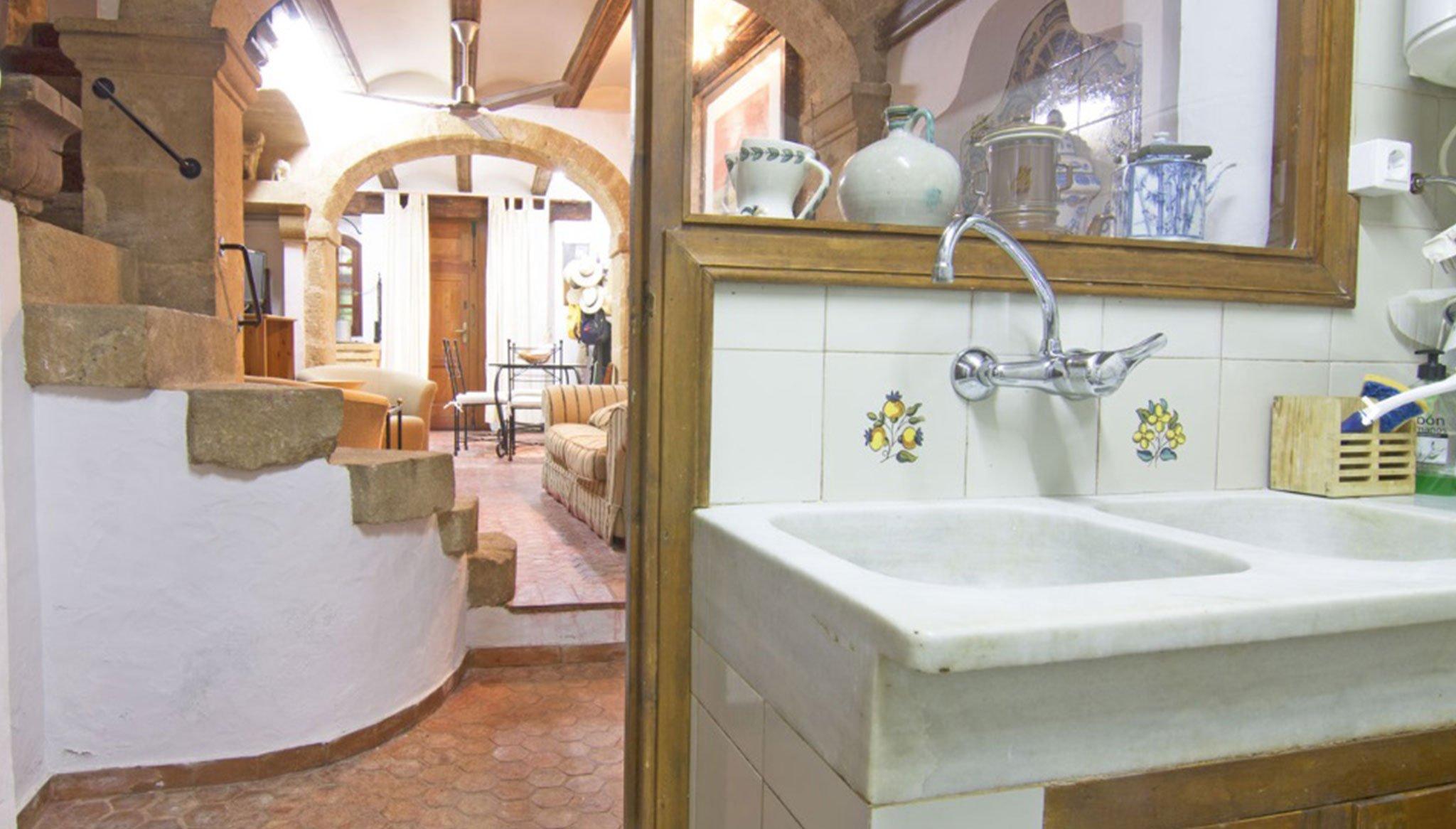 Detall de la cuina en una casa de poble a Xàbia - MORAGUESPONS Mediterranean Houses
