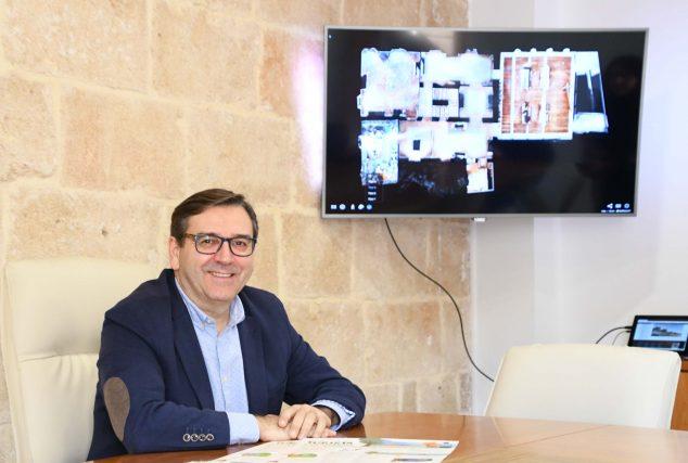 Imagen: El concejal de Turismo presenta la promoción turística de FITUR 2020