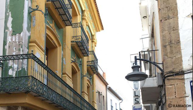 Imagen: Fachada de la antigua farmacia de Tena, ahora Museo Ca Lambert