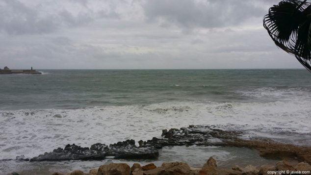 Imagen: Imágenes de archivo de un temporal de mar en Xàbia