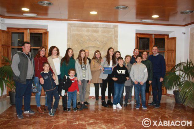 Image: Tribute to María Cardona for Champion of Spain in handball
