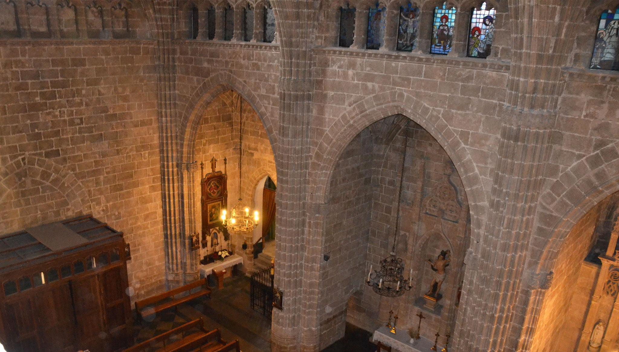 Intérieur de l'église de San Bartolomé vu de dessus