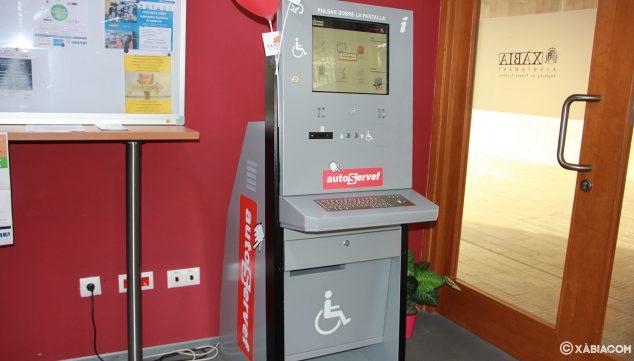 Imagen: Máquina de autogestión del SERVEF (ahora LABORA) en Creama Xàbia