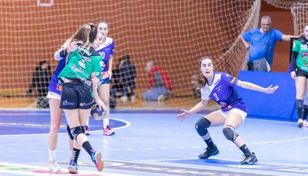 Imatge: Maria Cardona en un partit amb el seu equip Benidorm
