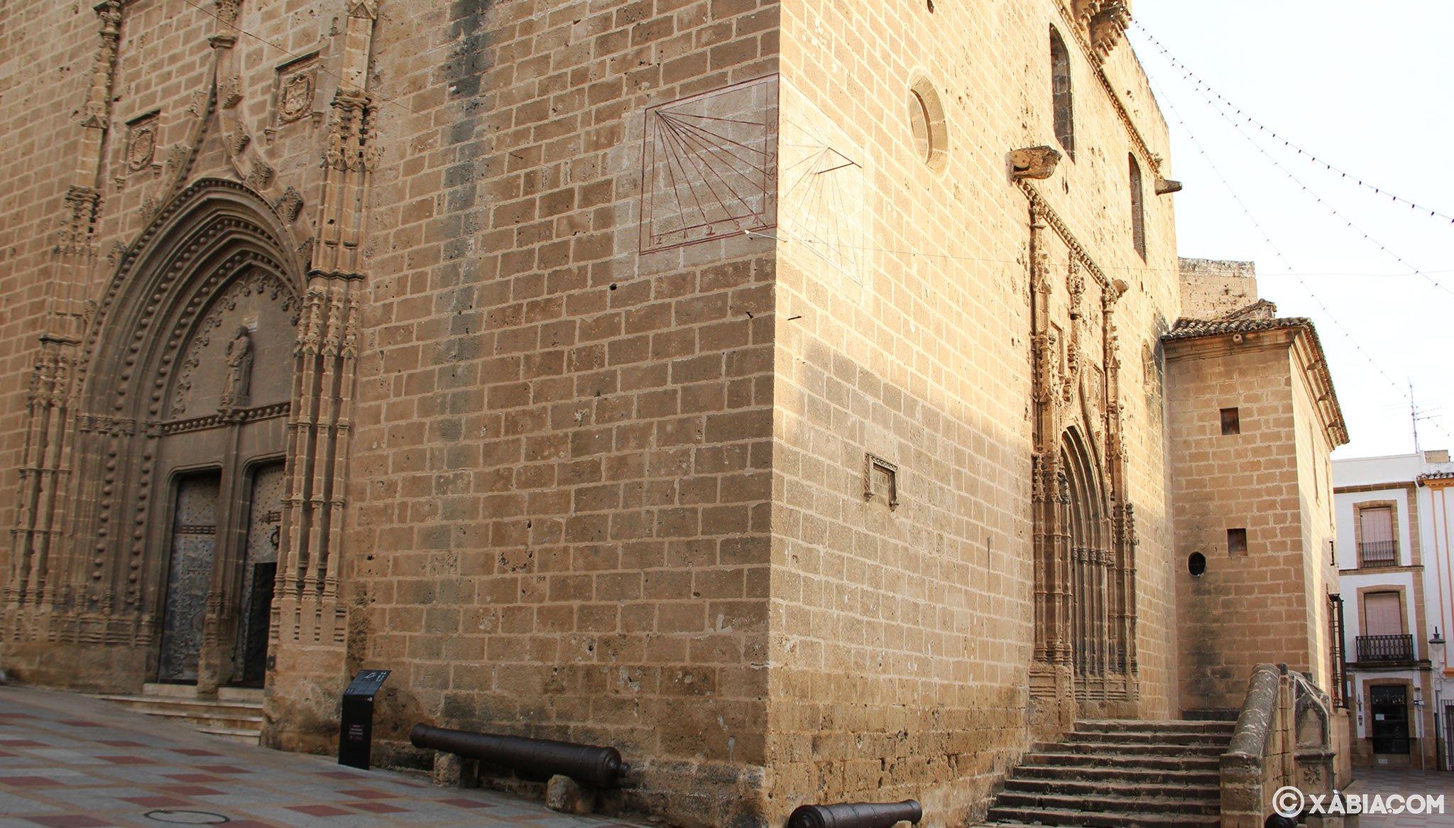 Reloj de sol en la Iglesia de San Bartolomé de Jávea