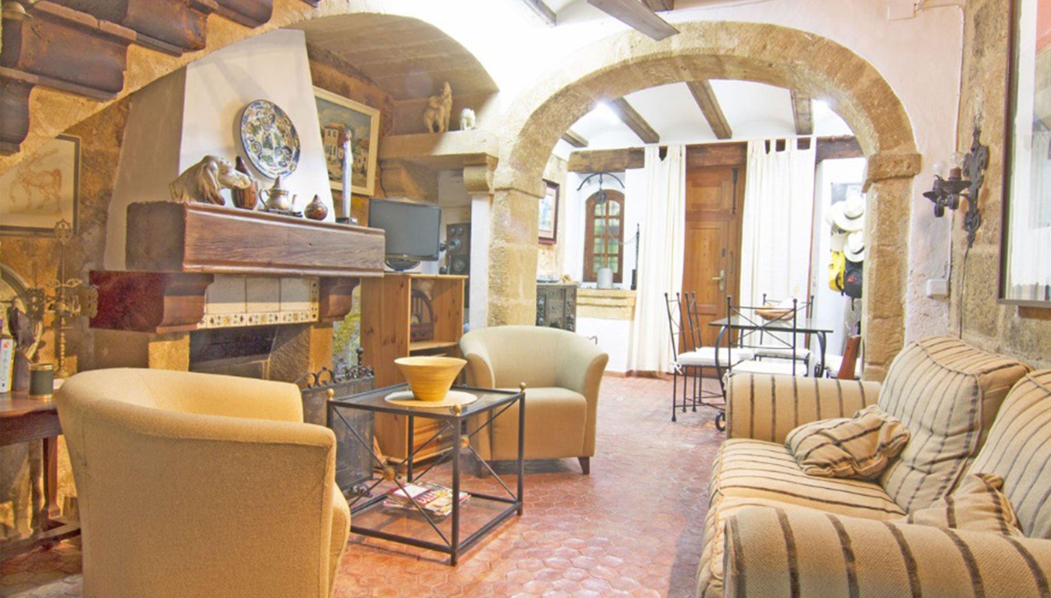 Saló moblat en una casa de poble a Xàbia - MORAGUESPONS Mediterranean Houses