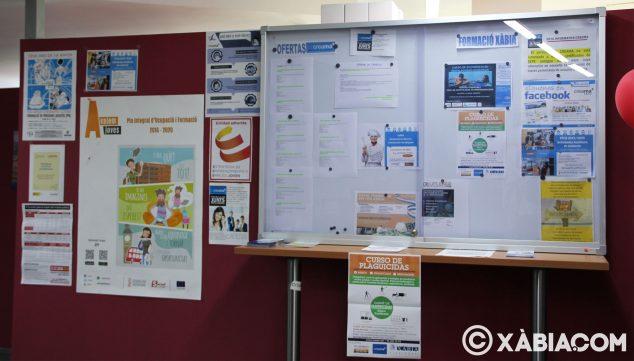 Imatge: Tauler d'anuncis a l'oficina de Creama Xàbia