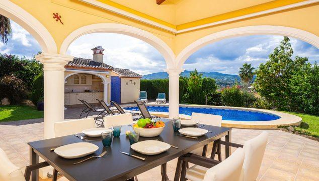 Imagen: Terraza cubierta en una casa de vacaciones en Jávea - Aguila Rent a Villa
