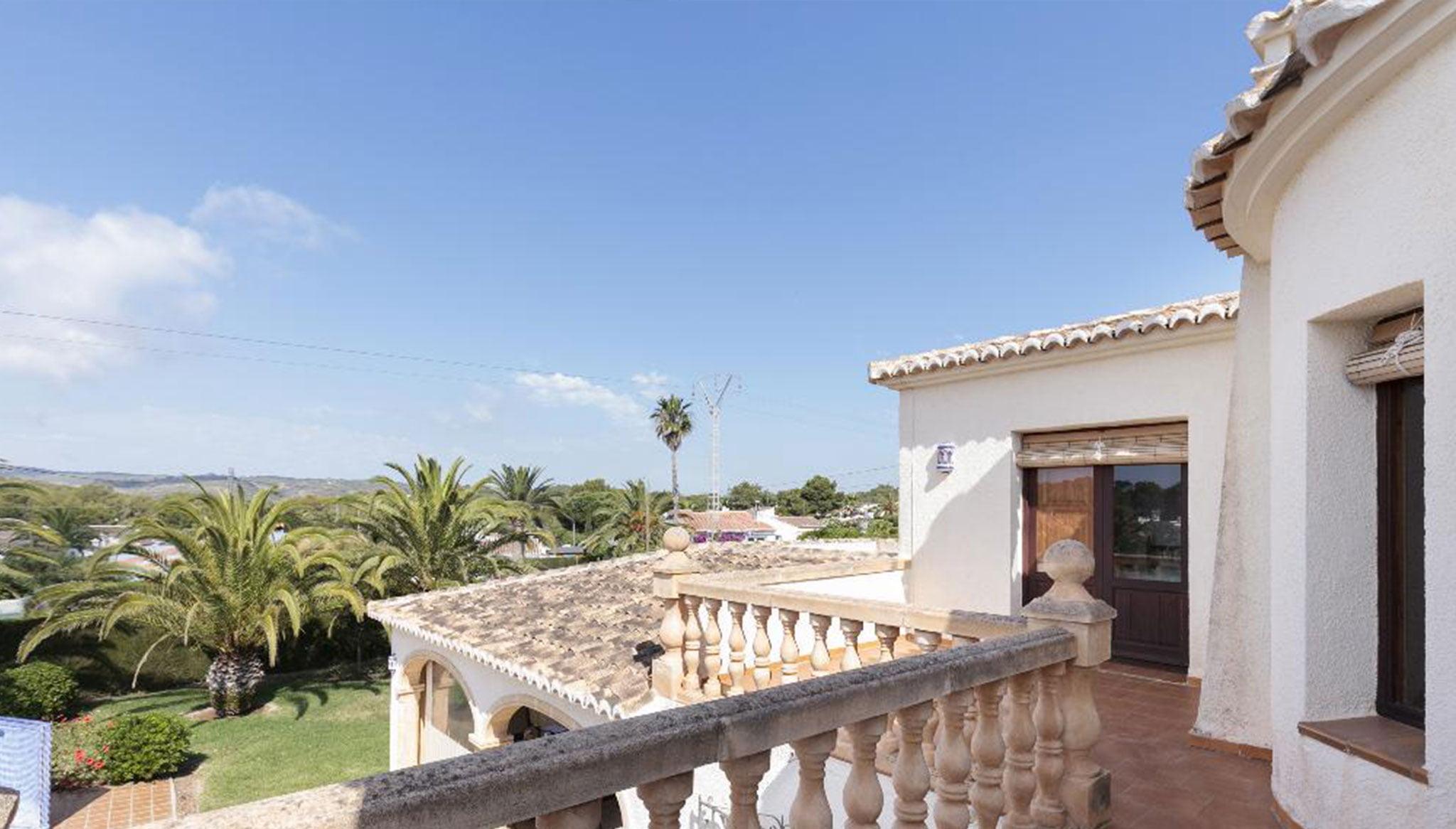 Vistas desde la terraza de un chalet de alquiler en Jávea – Quality Rent a Villa