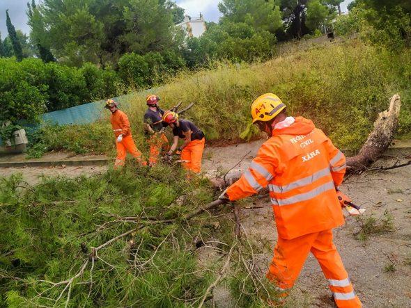 Imatge: Voluntaris de Protecció Civil
