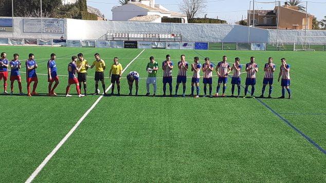 Imagen: Ambos equipos en el inicio del partido