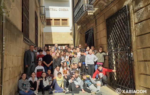 Imagen: Alumnos de 6º del Vicente Tena presenta el proyecto para el Central Cinema