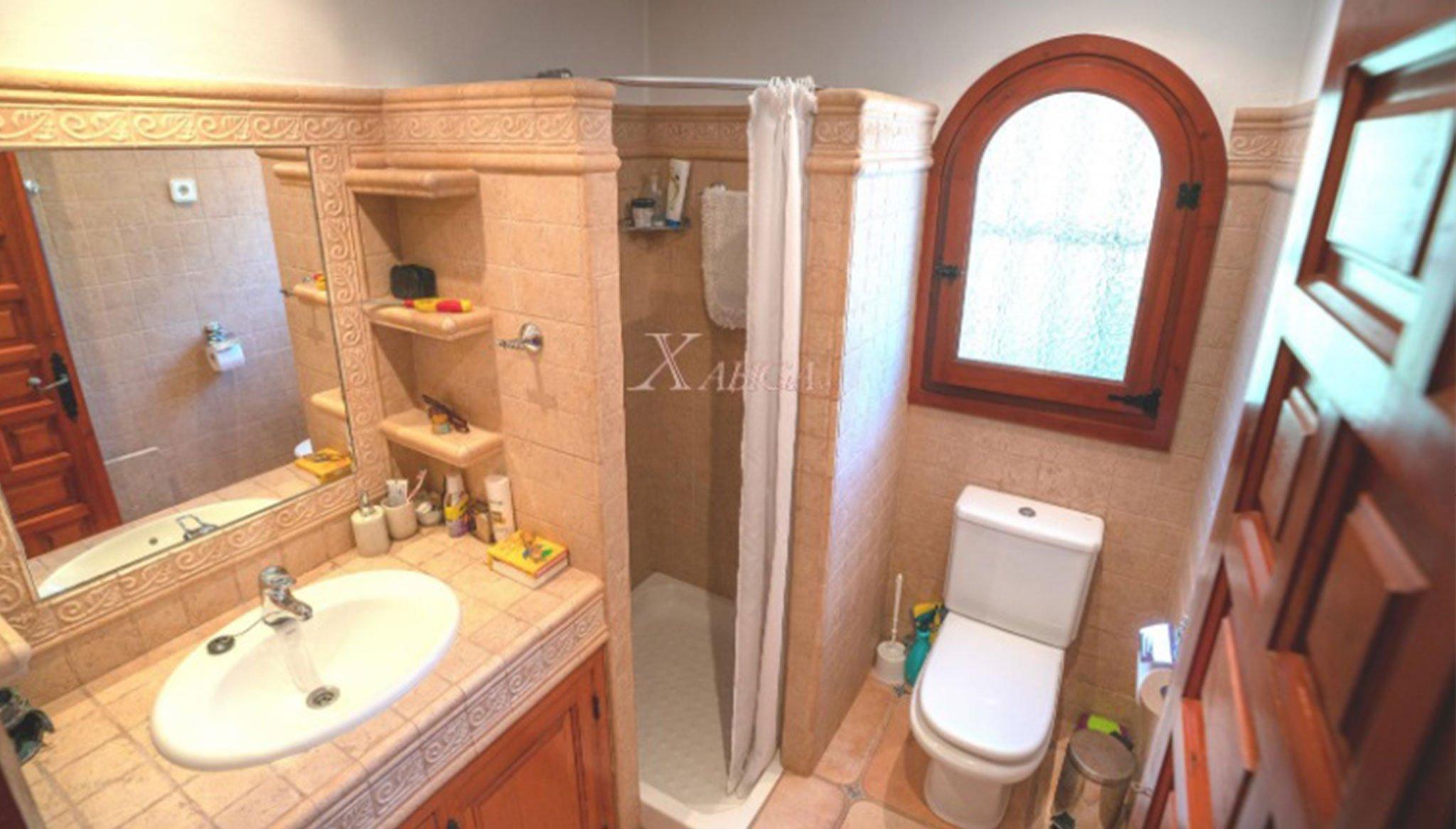 Banheiro em uma vivenda à venda em Jávea - Xabiga Inmobiliaria