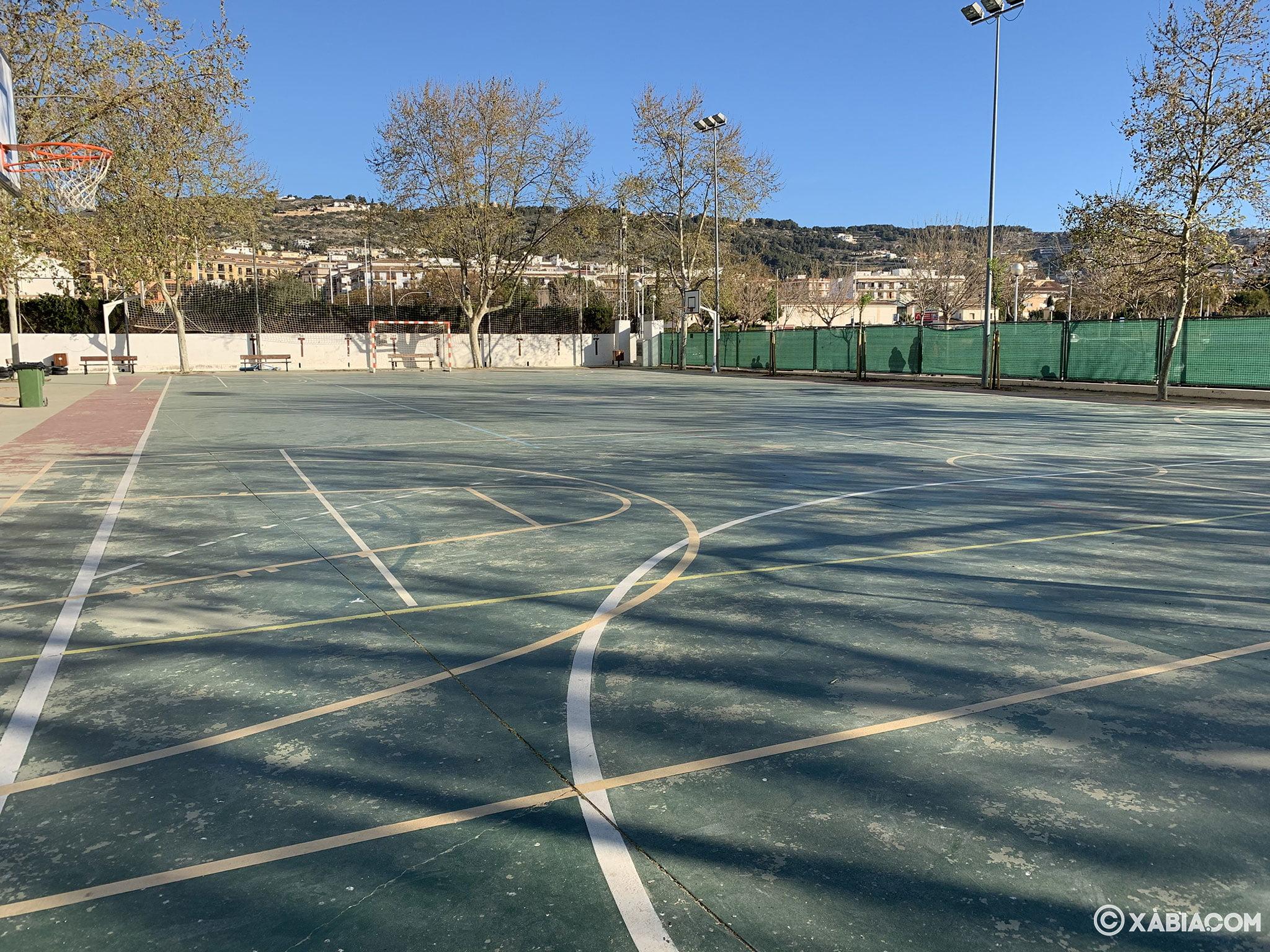 Cancha de basket y fútbol del CEIP Trenc d'Alba de Xàbia