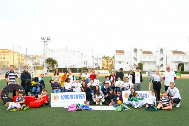 Imagen: Clinic deportivo con los alumnos del Raquel Payá