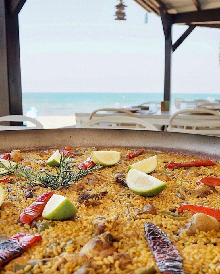 Un lugar para comer paella en Dénia con vistas al mar - Restaurant Noguera
