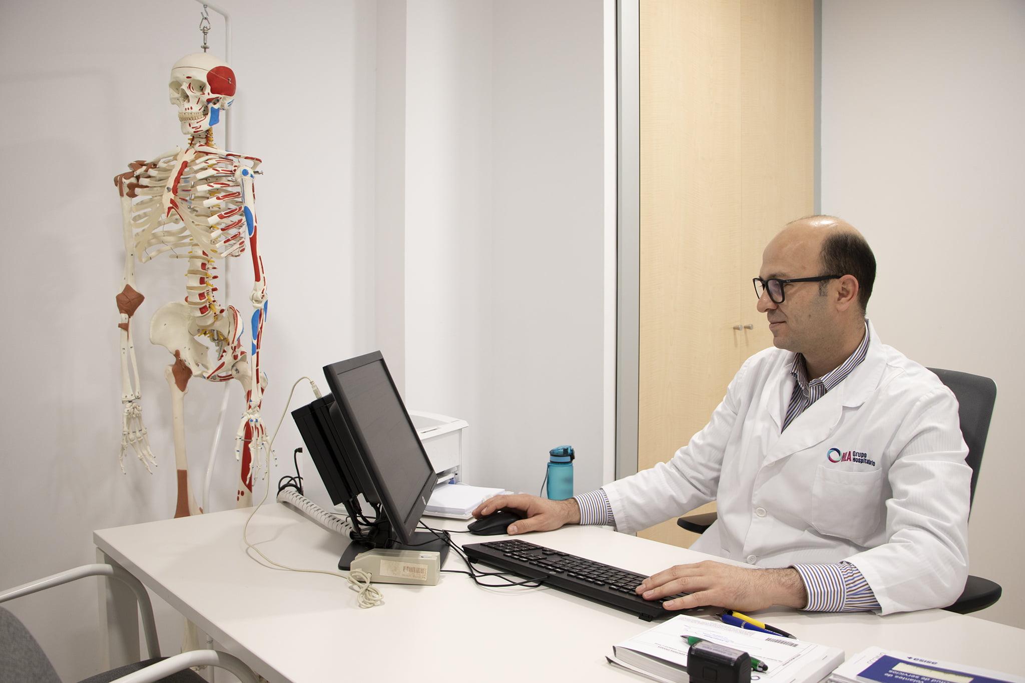Consulta de traumatología en HLA San Carlos
