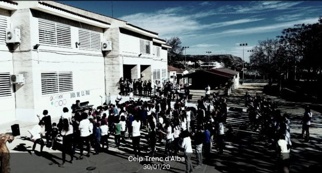 Imagen: Día de la Pau en el colegio Trenc d'Alba