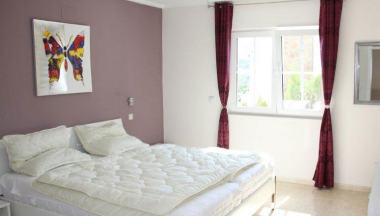 Dormitorio en una villa de alto standing en venta en Jávea - Terramar Costa Blanca