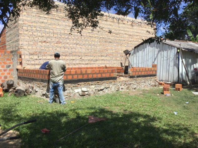 Image: Construction de la deuxième maison au Paraguay