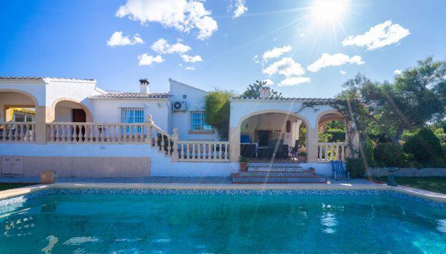 Imagen: Exterior de una casa de vacaciones en Benitachell - Aguila Rent a Villa