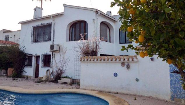 Imatge: Façana i piscina d'un xalet en venda a Xàbia - Xabiga Immobiliària