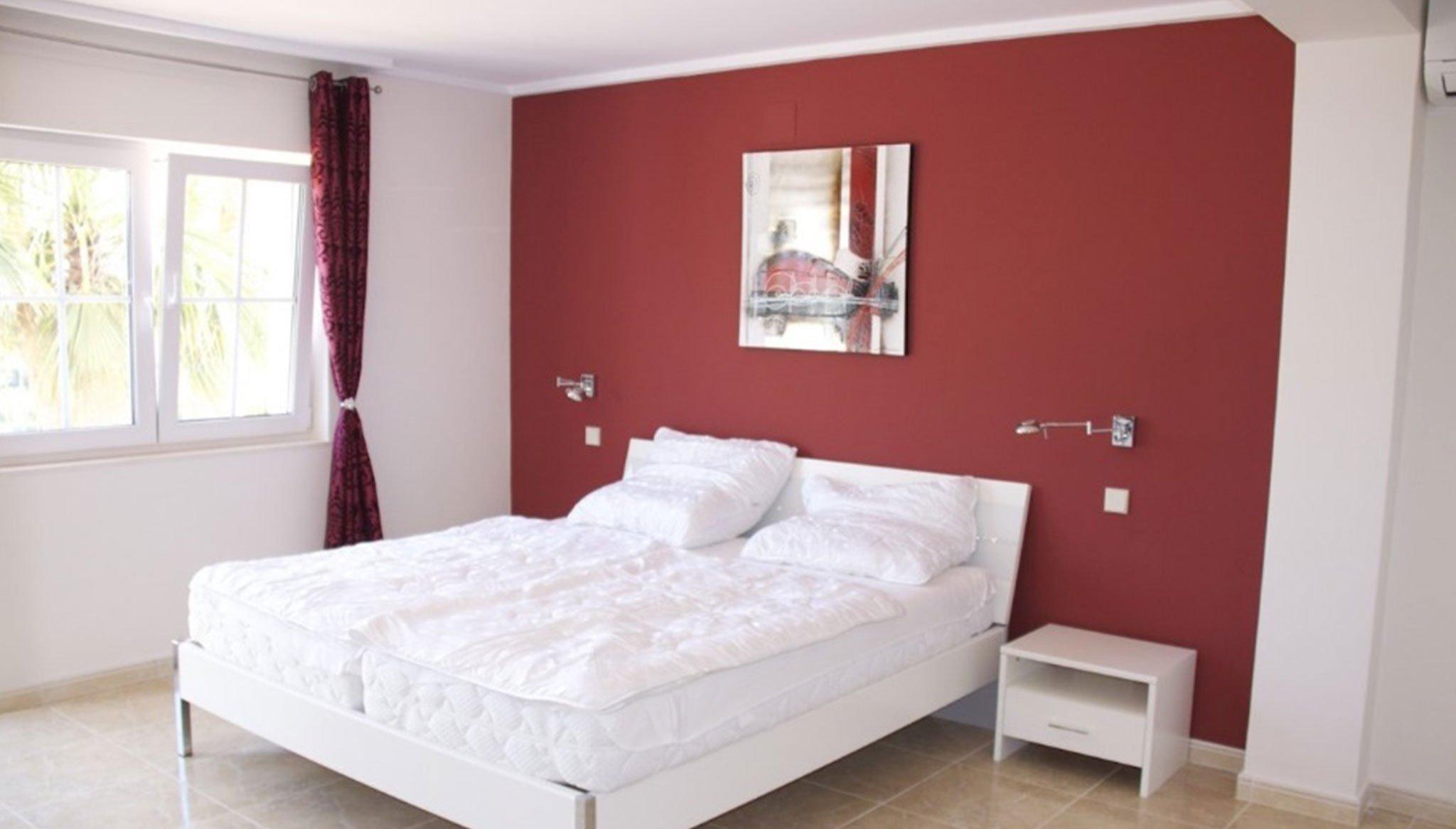 Una de las cinco habitaciones de una villa de alto standing en venta en Jávea – Terramar Costa Blanca