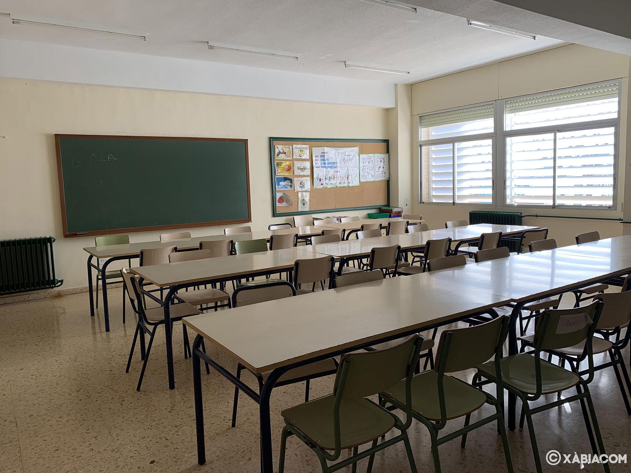 Interior de un aula en el CEIP Trenc d'Alba de Xàbia