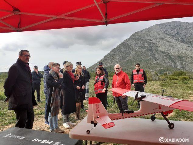 Imagen: La consellera asiste a un ejercicio de uso de drones en la zona del Montgó de Xàbia