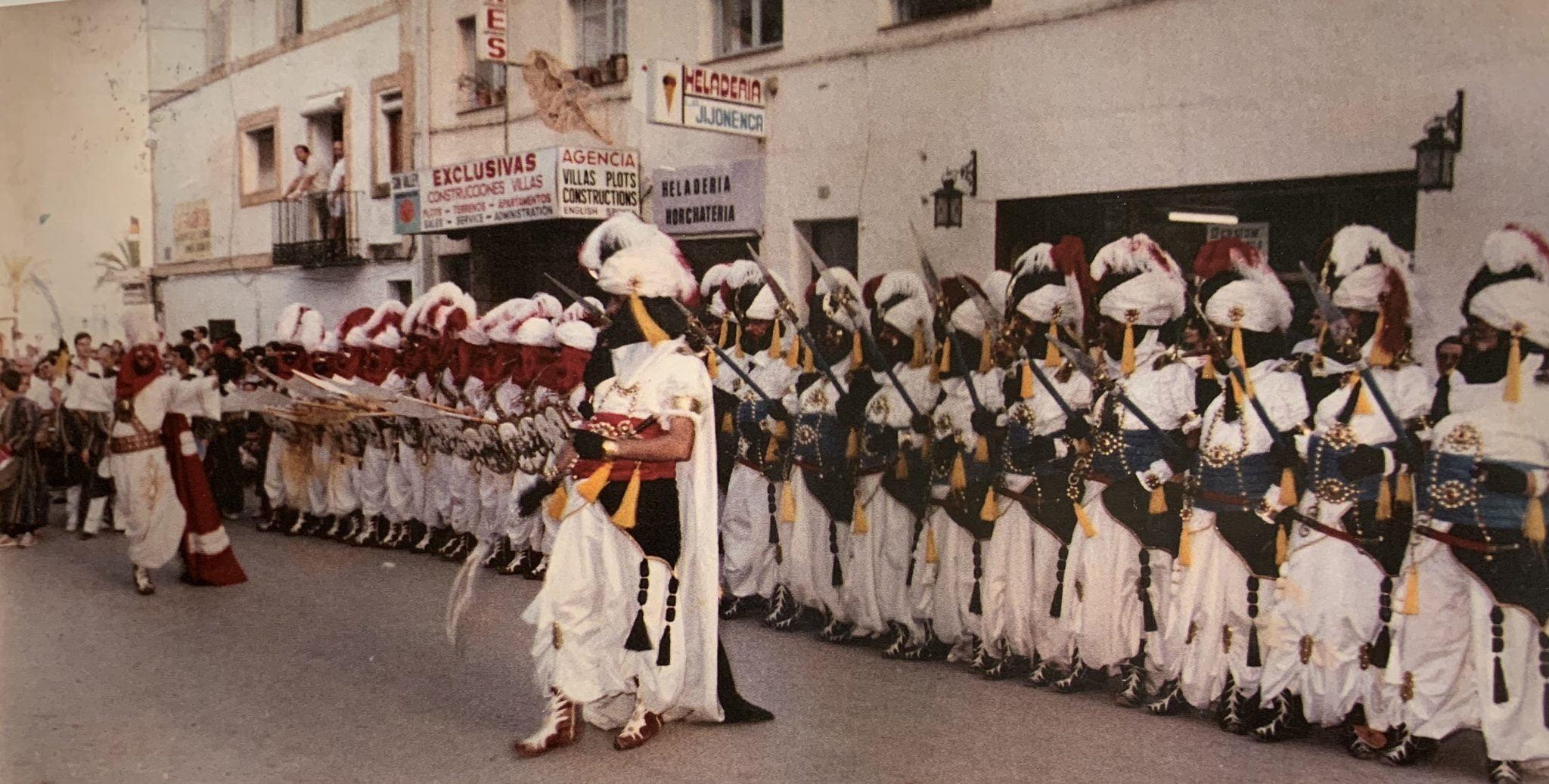 Las dos escuadras de la Filà Almoradins en 1983