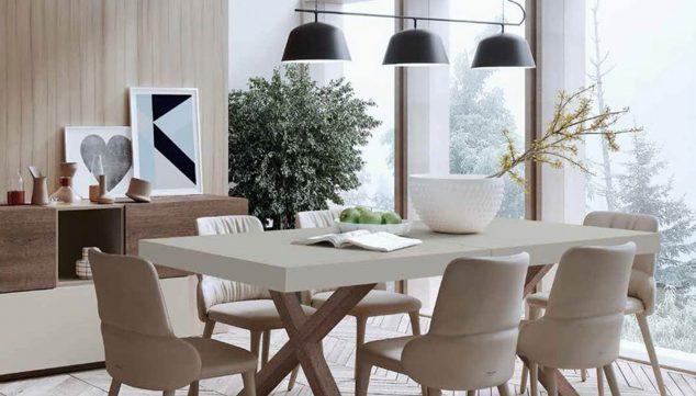 Imagen: Mesa de comedor y sillas en tonos beige - Muebles Martínez