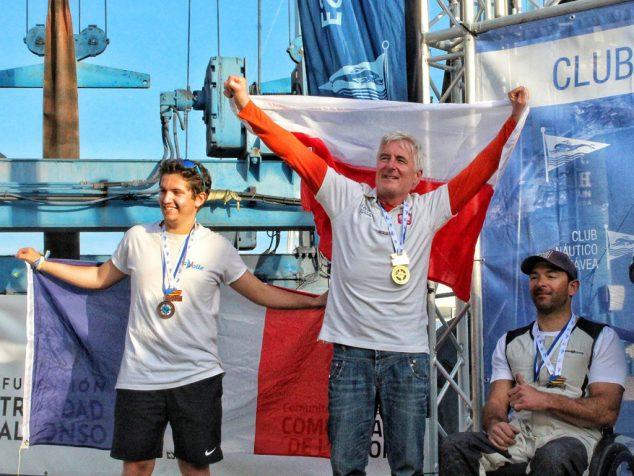 Imagen: Piotr Cichocki en el podio
