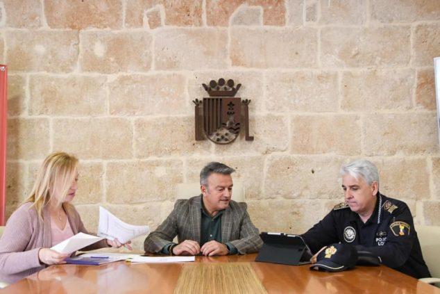 Imagen: Presentación de la Memoria de servicios de 2019 de la policía local de Xàbia
