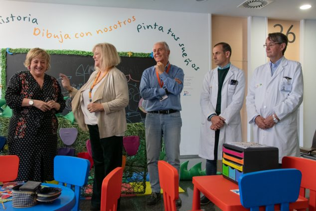 Imagen: Responsables médicos del Hospital de Dénia en la presentación de Puff