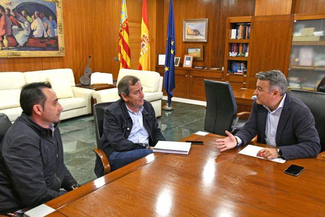 Imagen: Reunión del alcalde con empresarios del Arenal