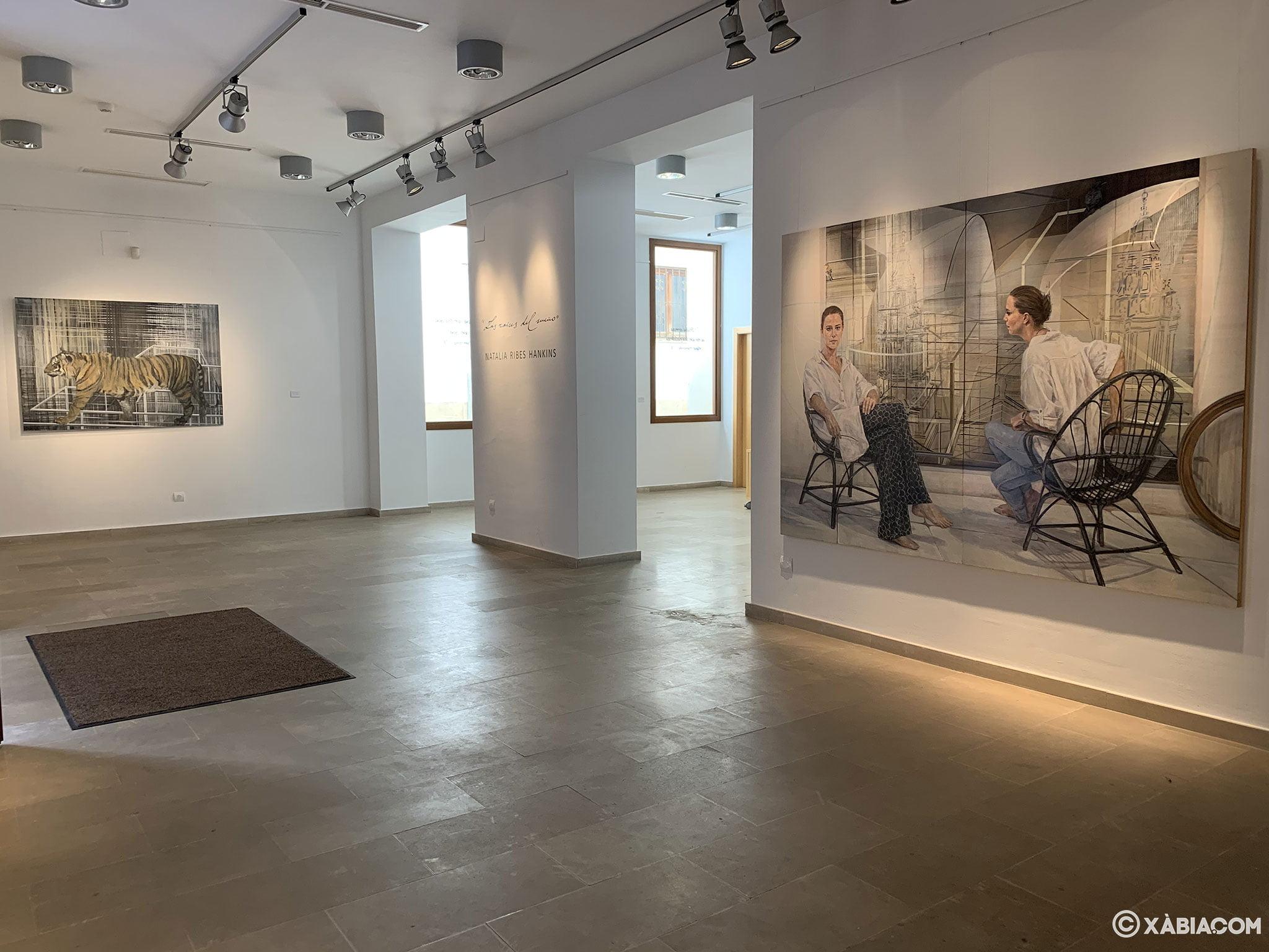 Vista general de una sala del Centre d'Art Ca Lambert en Jávea