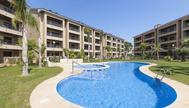 Imagen: Vista de la piscina de un apartamento en alquiler en Jávea - Quality Rent a Villa