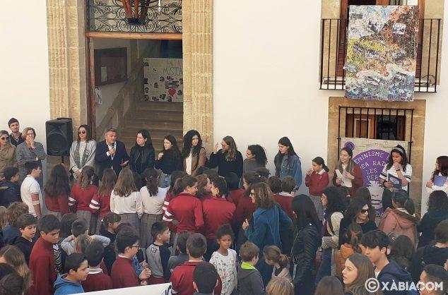 Imagen: Acte institucional dia de la dona
