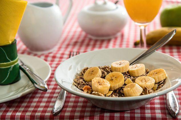 Imagem: Cuide ao máximo da sua dieta, é a base da saúde - Polyclinic CUME