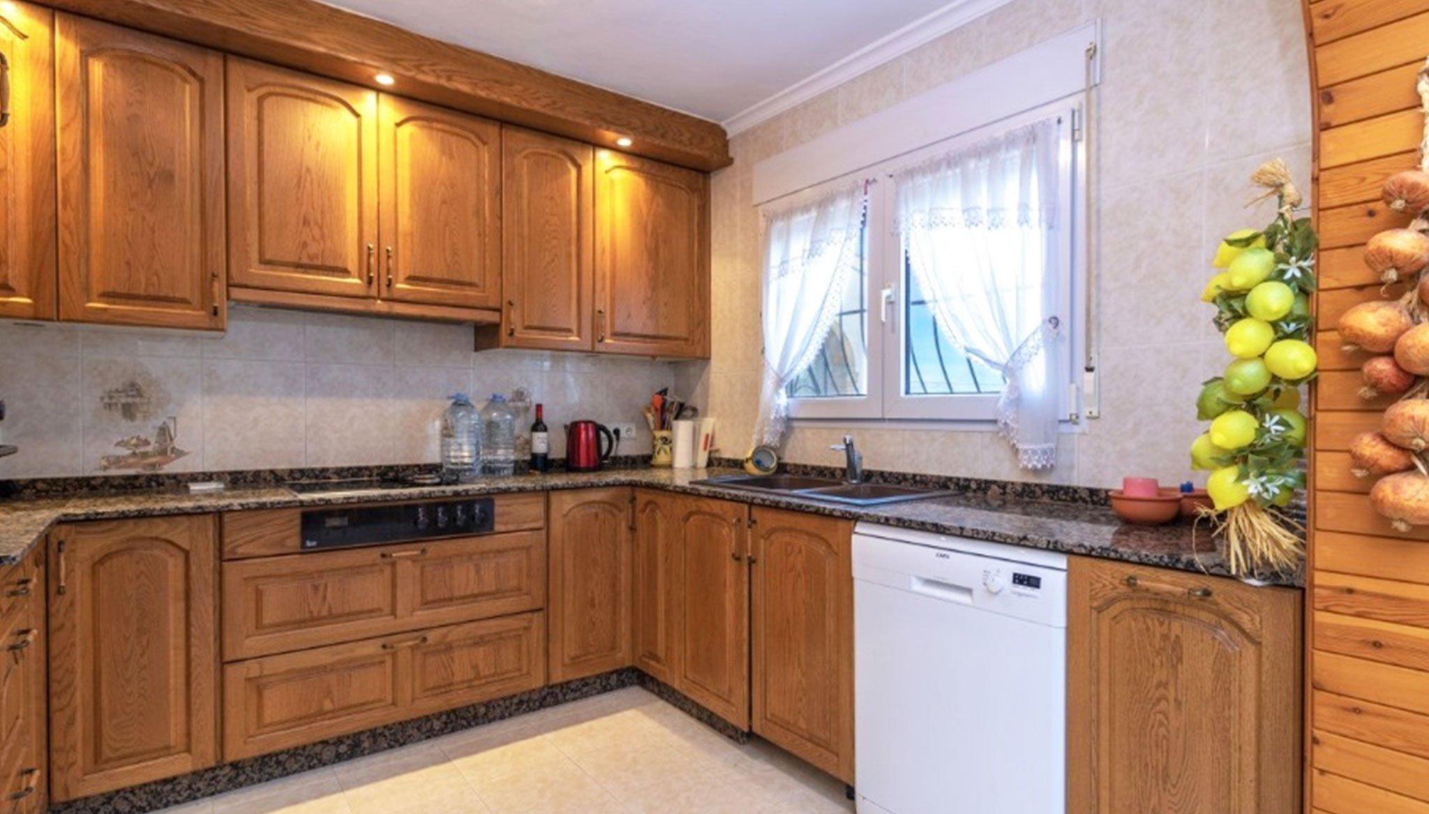 Cocina de un chalet en venta en el Montgó en Jávea – Vicens Ash Properties