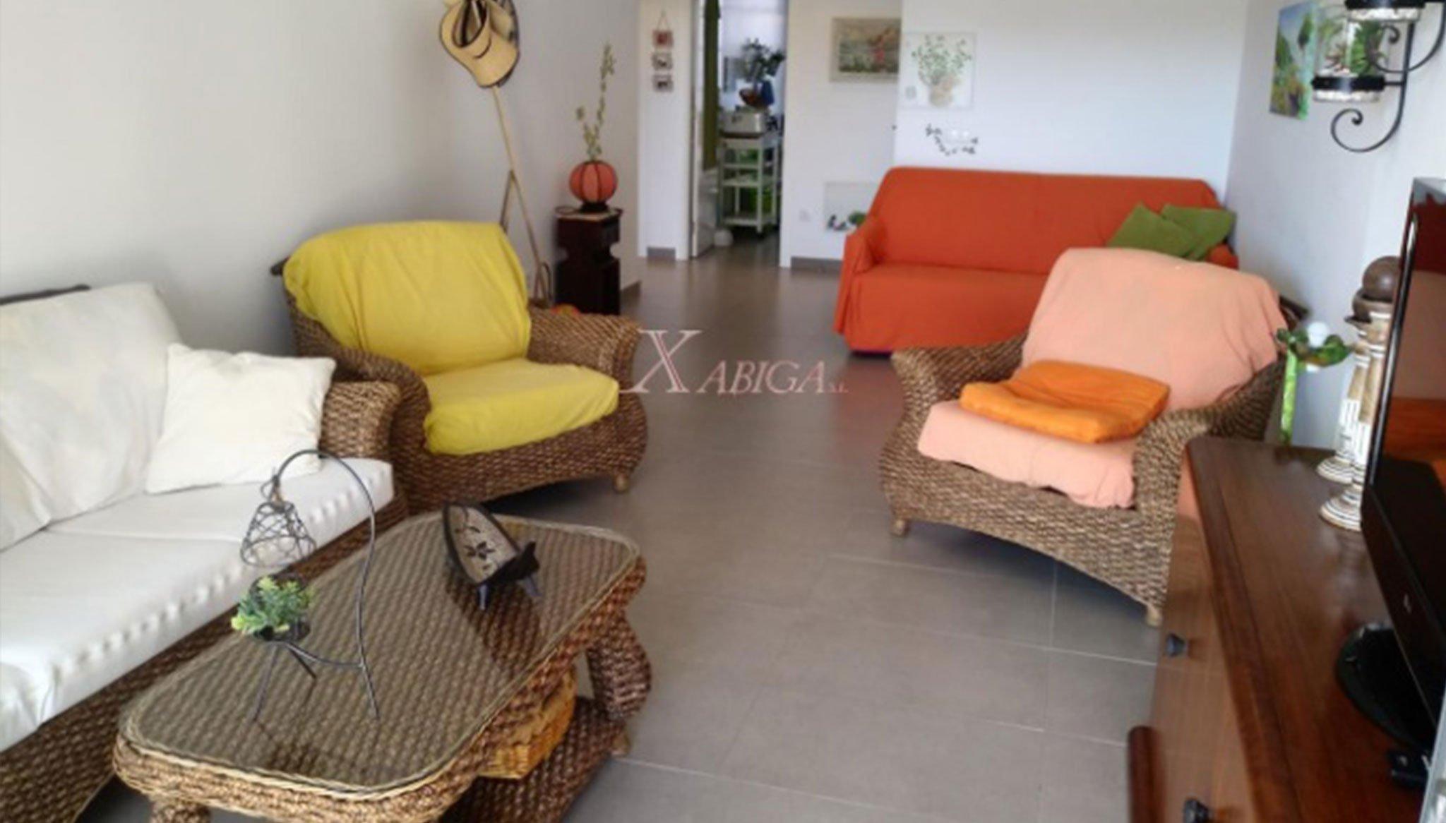 Salón en un apartamento en venta en Jávea – Xabiga Inmobiliaria