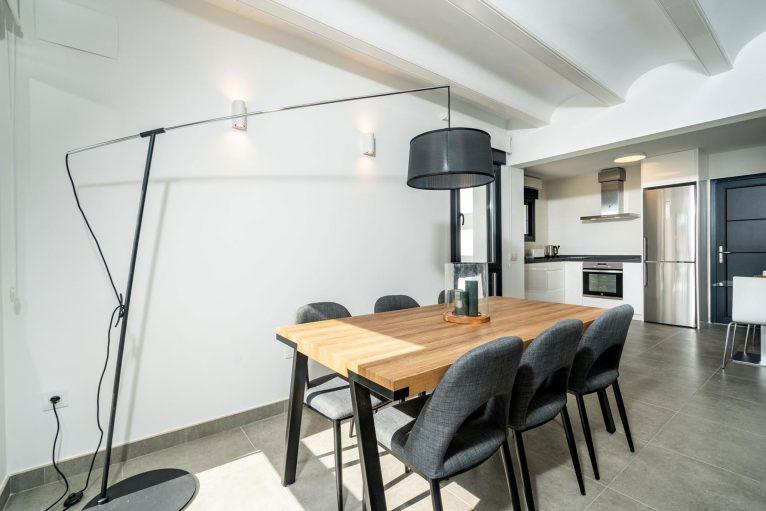 Comedor en una casa de alquiler para ocho personas en Jávea - Aguila Rent a Villa