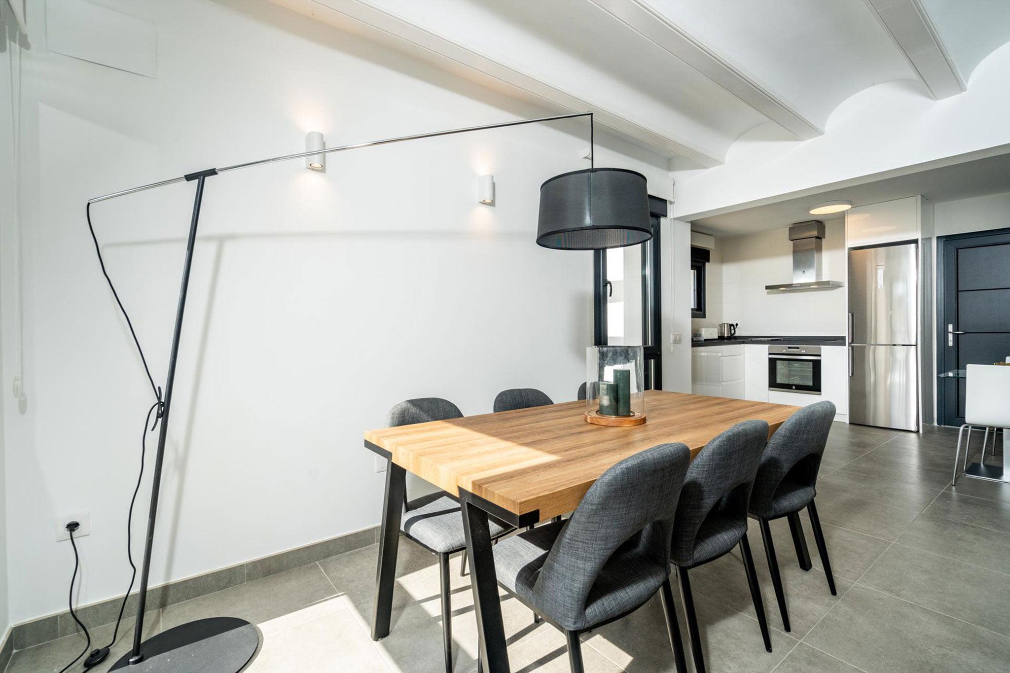 Comedor en una casa de alquiler para ocho personas en Jávea – Aguila Rent a Villa