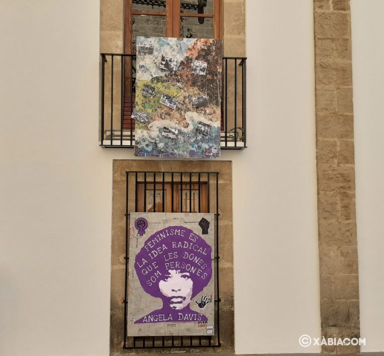 Decoración Ayuntamiento por el Día de la Mujer
