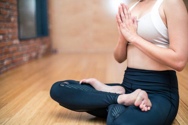 Imagem: Pratique exercícios com o que você tem disponível em casa - CUME Polyclinic